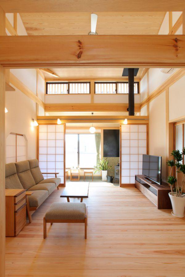 木と土と竹小舞の平屋
