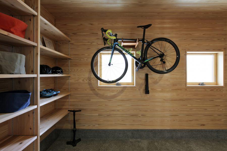 自転車を楽しむ家