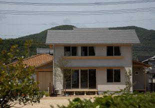 緑豊かに暮らす家