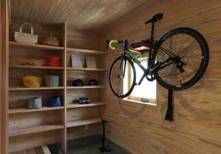 趣味の自転車が主役の土間